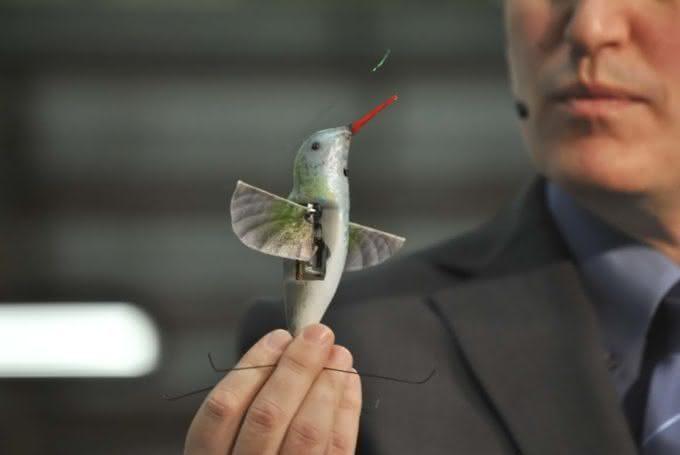 Nano Hummingbird, beija flor, controle remoto, espião, espionagem, câmera espiã, voador, fun, game, design, inovação 4