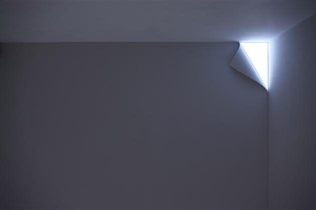 Peel-Wall-Light, luminaria-pagina-virada, luminaria-de-canto, design, inovacao, por-que-nao-pensei-nisso 1