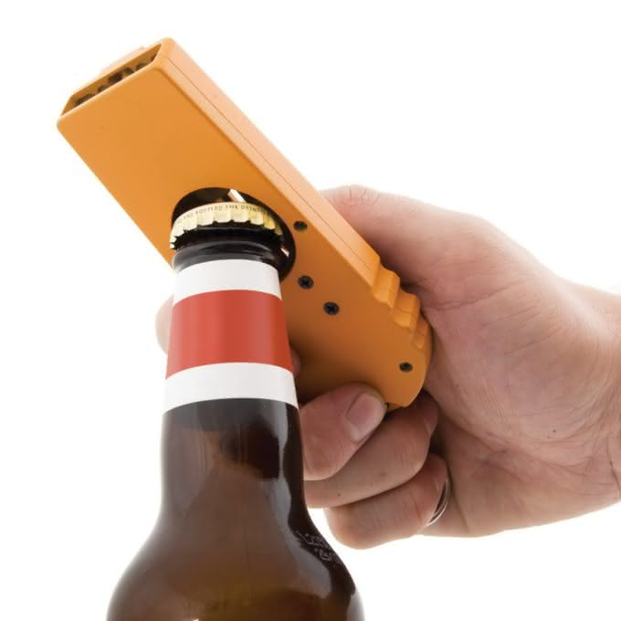 The Cap Zappa, Bottle Opening Cap Launcher, abridor de garrafa, atire a tampinha, atirador de tampa de cerveja, gadget, design, fun 2