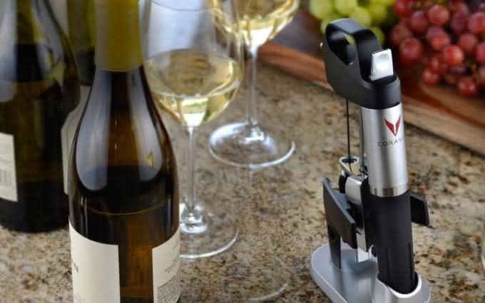 coravin-wine-system-pour-wine-without-uncorking-bottle, abra-vinho-sem-tirar-a-rolha, porque-nao-pensei-nisso 2
