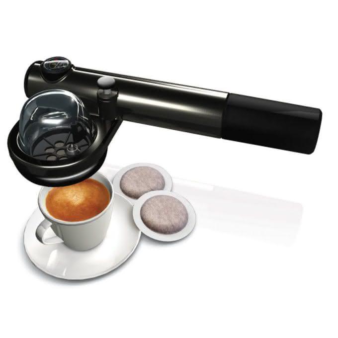 handpresso-auto, a-maquina-de-cafe-expresso-para-carro, a-maquina-de-cafe-expresso-que-cabe-na-mao, cafe-expresso, por-que-nao-pensei-nisso 1