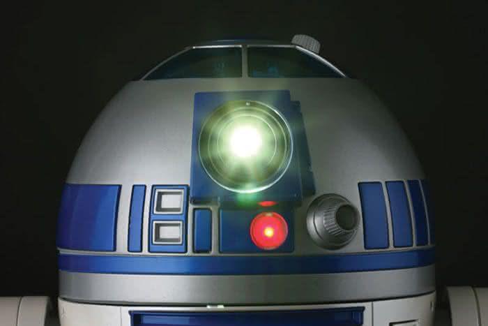 r2-d2-digital-audio-video-projector, r2-d2-projetor, projetor-star-wars, por-que-nao-pensei-nisso 1