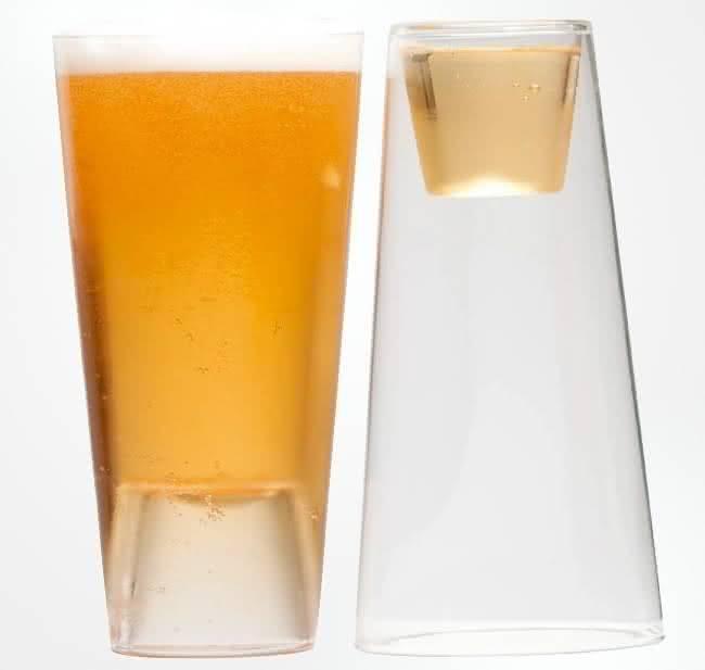 Shot-In-The-Pint, copo-2-em-1, copo-de-cerveja-e-tequila, por-que-nao-pensei-nisso 1
