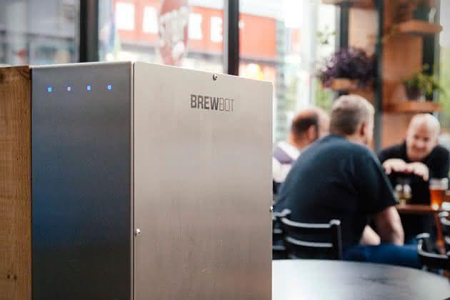 Brewbot-Smart-Beer-Brewing-Robot, como-fazer-cerveja, cerveja-artesanal, fazer-cerveja-em-casa, maquina-de-fazer-cerveja, faca-cerveja, bolo-de-cerveja, por-que-nao-pensei-nisso 1