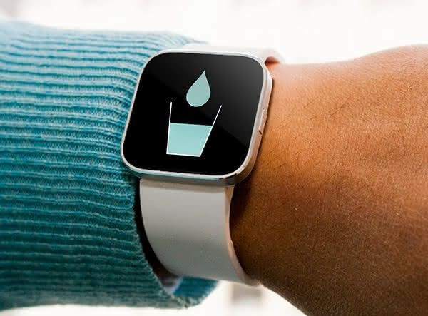 Wearable-Water-Reminder, relogio-lembrete-tomar-agua, wearable-gadget, tecnologia-de-vestir, wearable, relogio-wearable, por-que-nao-pensei-nisso 3