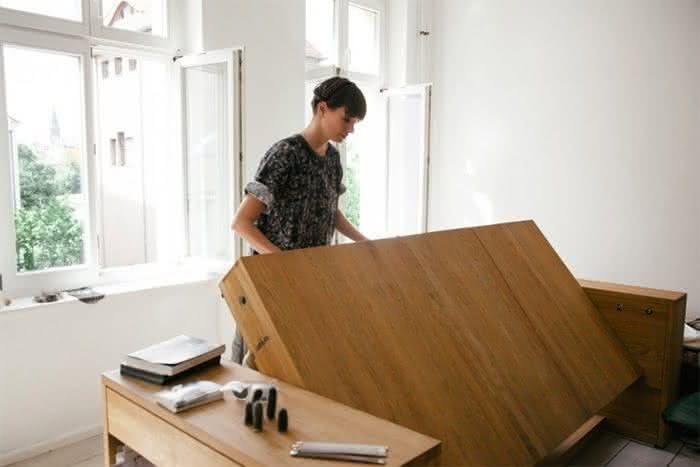mesa-cama, mesa-que-se-transforma-em-cama, sofa-cama, mesa-vira-cama, mesa-funcional-vira-cama, por-que-nao-pensei-nisso 1
