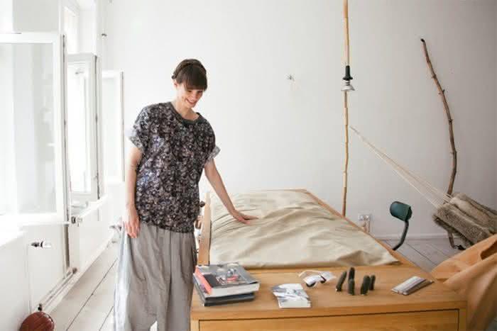 mesa-cama, mesa-que-se-transforma-em-cama, sofa-cama, mesa-vira-cama, mesa-funcional-vira-cama, por-que-nao-pensei-nisso 3