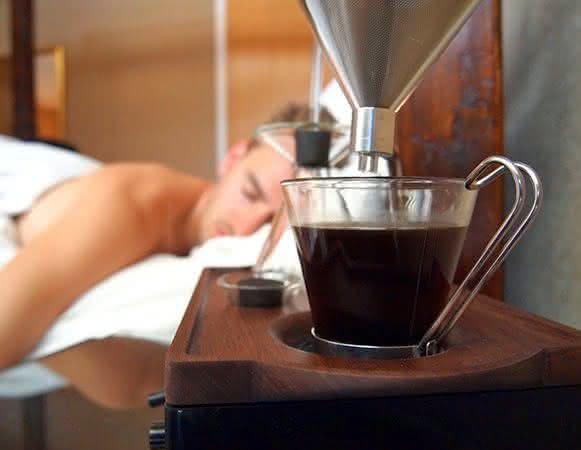 barisieur, despertador-cafeteira, despertadores-inusitados, despertador-cafe-cafeteira-cafezinho, cafe-da-manha-quarto, por-que-nao-pensei-nisso 2