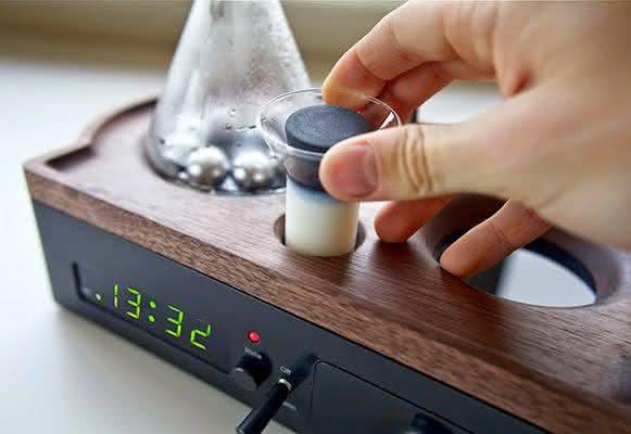 barisieur, despertador-cafeteira, despertadores-inusitados, despertador-cafe-cafeteira-cafezinho, cafe-da-manha-quarto, por-que-nao-pensei-nisso 7