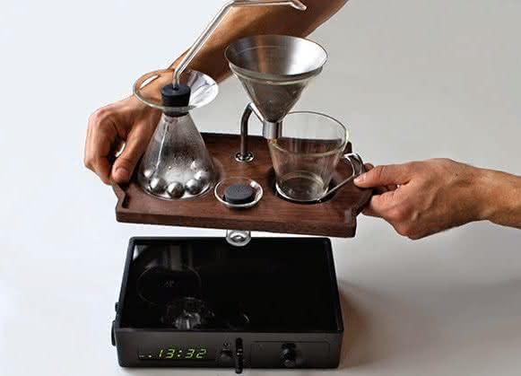 barisieur, despertador-cafeteira, despertadores-inusitados, despertador-cafe-cafeteira-cafezinho, cafe-da-manha-quarto, por-que-nao-pensei-nisso 9