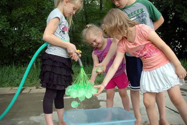 Bunch-O-Balloons, bexiga-de-agua, bexiga-gerra-de-bexiga, guerra-de-agua, por-que-nao-pensei-nisso
