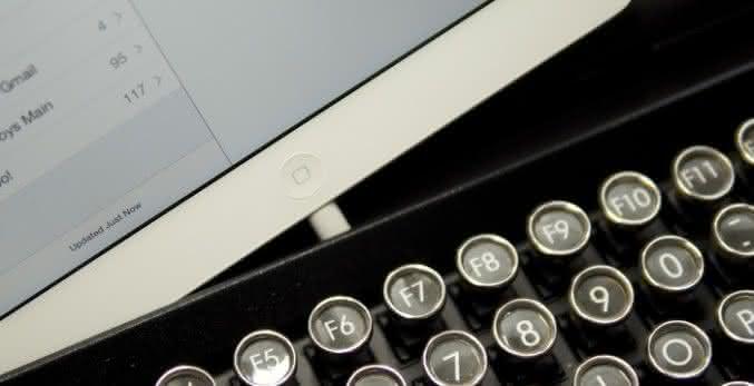 Qwerkywriter-vintage-keyboard, teclado-para-ipad, teclado-para-ipad-retro-vintage, teclado-vintage, por-que-nao-pensei-nisso 6