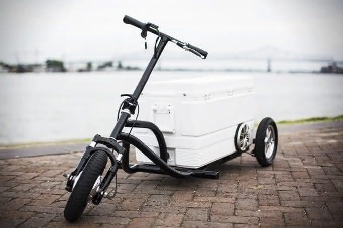 X-Kreweser-Electric-Trike-With-CoolerX, cooler-com-rodinhas, cooler-inovador, cooler-gela-cerveja, cooler-bicicleta-eletrica, cooler-triciclo-bicicleta, por-que-nao-pensei-nisso