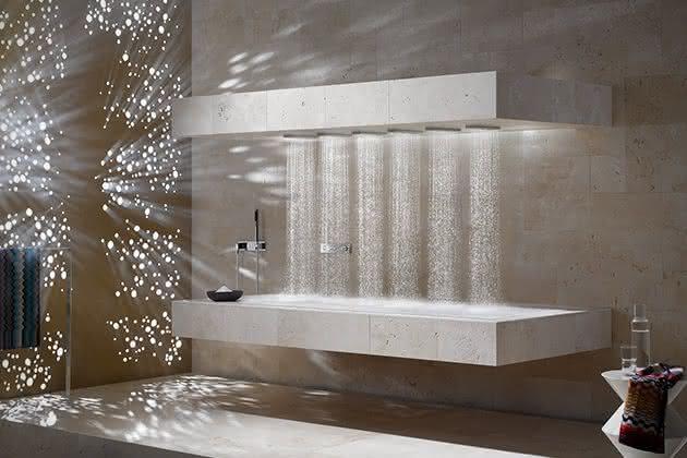 Horizontal-Shower-Dornbracht, banho-na-horizontal, banho-relaxante, banho-relaxar, ducha-chuveiro-inovador, massagem-agua, por-que-nao-pensei-nisso 3