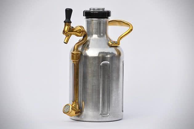 uKeg-Pressurized-Portable-Growler, chopeira-portatil, gela-cerveja, cerveja-gelada, como-gelar-cerveja-rapido, cerveja-quente, por-que-nao-pensei-nisso 1