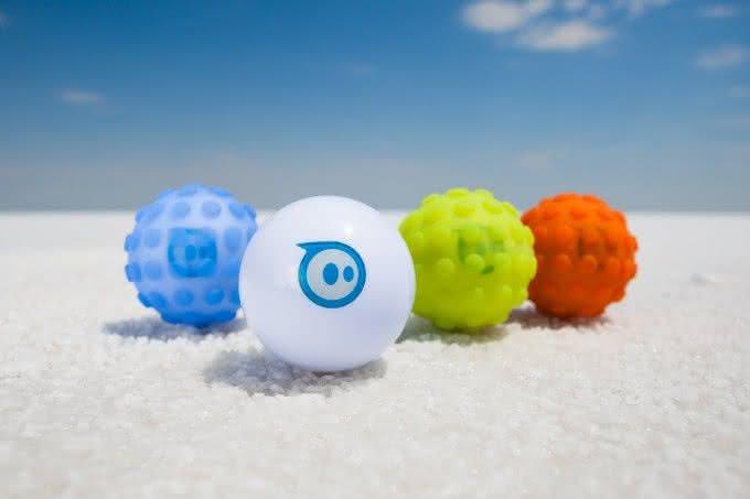 Sphero-2-0-App-Controlled-Robotic-Ball, bola-controle-remoto, brinquedos-wi-fi, controle-ipad-iphone, por-que-nao-pensei-nisso 3