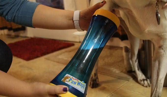Paw-Wash, limpa-patas-cachorro, limpar-sujeira-de-cachorro, carpete-piso-limpo, pata-suja-de-cachorro, por-que-nao-pensei-nisso 2
