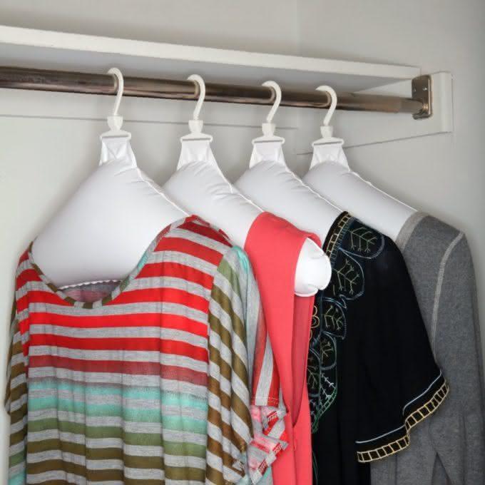 inflatable-hangers, cabide-inflavel, cabide-compacto, cabide-mala, cabide-roupa, roupa-amassada, desamassar-roupa-cabide, viagem, por-que-nao-pensei-nisso 5