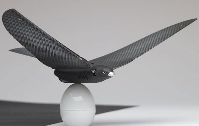 Bionic-Bird-Smartphone-Controlled-Robotic-Bird, passaro-controle-remoto, passaro-bionico, controle-remoto, quanto-custa-controle-remoto, por-que-nao-pensei-nisso 1