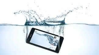 Blue-Freedom, Smallest-Hydropower-Plant, carregador-bateria-smartphone, carregador-celular, carregador-agua, bateria-agua, agua-carrega, carregadores, carregador, por-que-nao-pensei-nisso 1