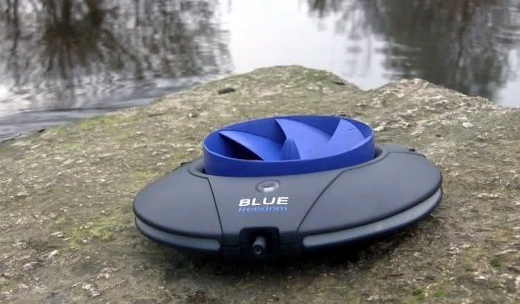 Blue-Freedom, Smallest-Hydropower-Plant, carregador-bateria-smartphone, carregador-celular, carregador-agua, bateria-agua, agua-carrega, carregadores, carregador, por-que-nao-pensei-nisso 3