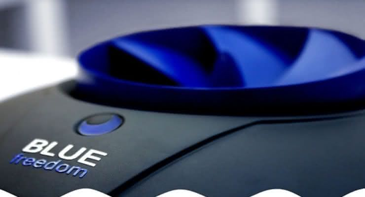 Blue-Freedom, Smallest-Hydropower-Plant, carregador-bateria-smartphone, carregador-celular, carregador-agua, bateria-agua, agua-carrega, carregadores, carregador, por-que-nao-pensei-nisso 4
