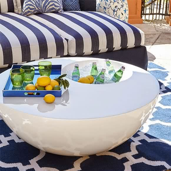 beverage-table-mesa-cooler-embutido-mesa-com-cooler-mesa-para-bebidas-mesa-gela-cerveja-mesa-inovadora-mesa-de-centro-varanda-por-que-nao-pensei-nisso-pnpn