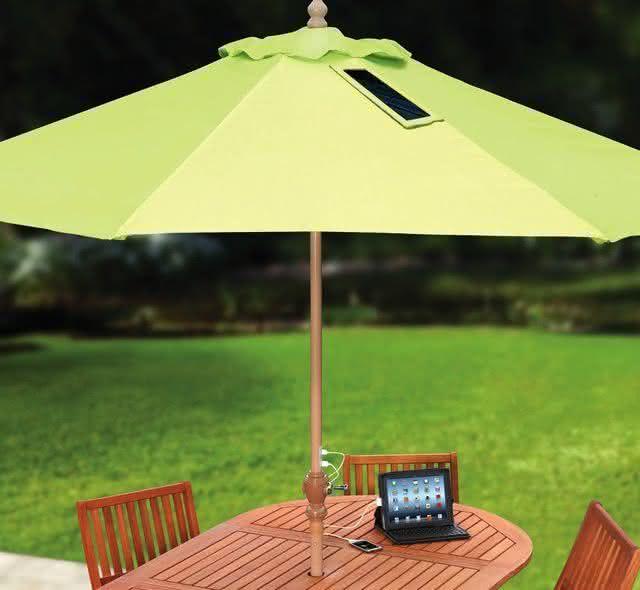 device-charging-market-umbrella-guarda-sol-carregador-usb-guarda-sol-usb-por-que-nao-pensei-nisso-1